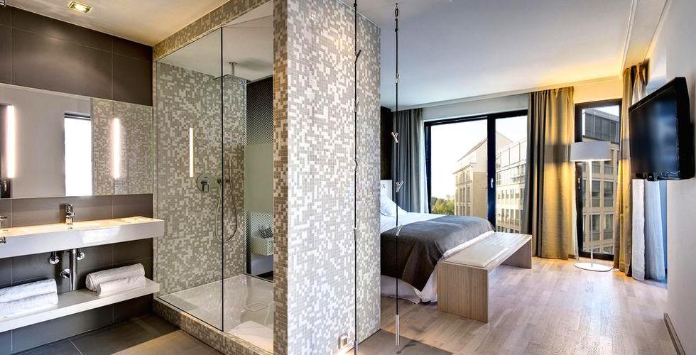 Bagno In Camera Con Vetrata : Bagno con doccia in camera catanzaro csgnet service srls
