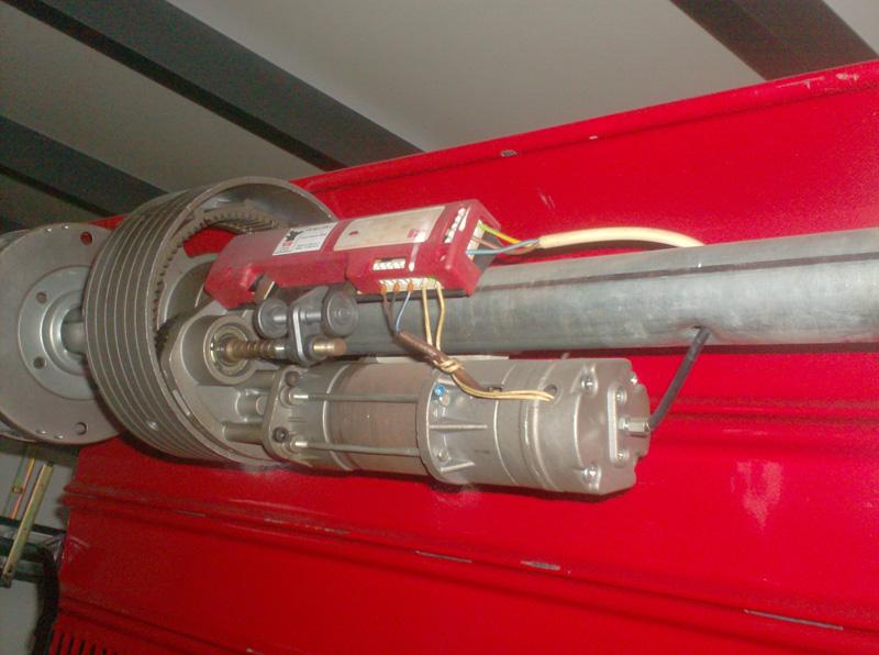 Schema Elettrico Per Saracinesca : Installazione motori per serrande metalliche csgnet service srls